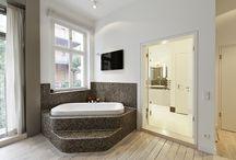 Int: Bath
