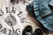 ▲ GIRLS GANG ▲ By PALLOME / Le T-shirt 100% girls corporate ! On a toujours besoin d'un tee-shirt blanc à la coupe parfaite et au message fort, pas vrai? Complètement stylé & tendance notre T-shirt sera votre idéal pour cet hiver avec un jean taille haute et une laine … Sa coupe loose fitting vous donnera un effet de style 100% décontracté chic !