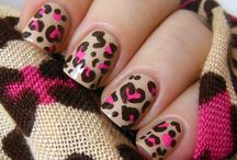 Artsy Fartsy Nails ;)