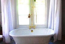 Salle de Bains - Bathrooms
