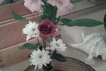 flower arrangements / by Julie Beauvais