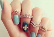 nails fingers rings
