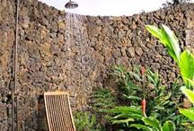 Outdoor showers ❤️❤️ / Nature