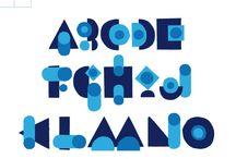 Typographie modulaire / Les typographies modulaires sont construites à partir d'une ou de plusieurs formes simples (des modules), combinée(s) de façon à recréer tous les signes de l'alphabet. Ce sont des titrages, le plus souvent obtenus à partir de formes géométriques, le jeu étant de réduire au maximum le nombre d'éléments de base.