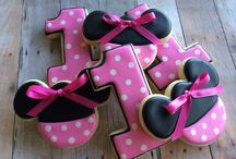 Minnie Mouse Cake Order