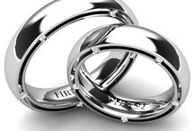Weddingrings FIRESQ / We can help you acquire the wedding rings you want. Our sale consultants, together with our designers and master jewelers, are at your disposal.