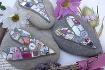 Drawing on pebbles and stones