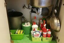 """Ev için fikirler / """"Under The Kitchen Sink Cabinet Organization"""" """"Mutfak Lavabo Altı Düzenleme"""""""