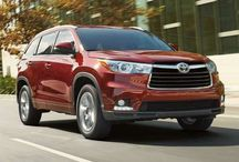 2017 Toyota Highlander @ Milton Toyota in Ontario / Welcome to Ken Shaw Toyota, your certified Toyota dealership in Toronto, Ontario. We are presenting the new 2017 Toyota Highlander. Highlander is a no-compromise mid-size three-row SUV that brings together the best in style, technology, comfort, capability and safety. Its exterior design conveys both prestige and strength, which complements a refined interior that sets a high bar in its segment.
