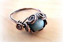 Jewelry - Wire Rings / Inspiration and tutorials on wire and beaded rings