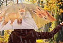 Design esernyők / Ha esik az eső sem kell a szürkeségbe burkolóznod. Válaszd ki kedvenc állatmintás vagy virágmintás esernyődet és máris színesebb és vidámabb esős nap elé nézel! :)