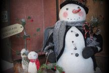 """PRIMITIVE SNOWMEN DOLLS / Handmade  SNOWMAN Dolls Primitive dolls  All items can be ordered please order early email me simplytattered@yahoo.com All snowman that are glittered are covered with """"REAL"""" vintage German glass glitter.  New snowmen  and other dolls   on ebay user Simply-tattered"""