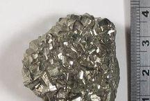 natural stones / stone