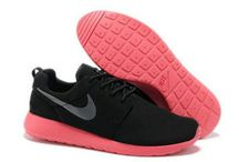 Chaussures Nike Roshe Run Homme Rouge / chaussures nike roshe run id homme (rouge/blanc/blanc logo)  http://www.larosherun.com/chaussures-nike-roshe-run-homme/id0007