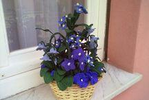 Composizioni floreali all'uncinetto