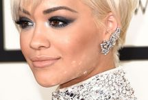 Red Carpet Ready / Beautiful jewellery worn by A list celebrities at red carpet events