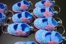 zapatos de goma eva para baby shower