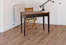 Suelos de madera / Suelos de madera con estilo y calidad. Revestibles con diversos materiales. Descubra la calidez de un suelo de madera.
