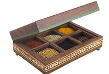 Multipurpose Rectangular Box with Six Detachable Compartments( 8 x 5 Inches )