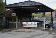 Vekta / Galleri VEKTA er Einar Granum Kunstfagskoles eget visningssted utenfor skolens område. Galleriet gir studentene en mulighet for å oppleve hva som skjer med arbeider når de tas ut av skolens sammenheng, eller er en mulighet å prøve noe helt nytt. På Galleri VEKTA åpnes det en ny utstilling hver fredag kl. 19.00. Utstillingen holder åpen også lørdag og søndag fra 12.00 til 15.00.