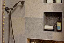 Colonne de douche / A la recherche d'une colonne de douche simple ou design, vous trouverez celle qui répondra à vos besoins sur Aquabains. La robustesse de nos équipements ont déjà fait le bonheur de nombreuses personnes. L'installation de la colonne, nécessitera une pression et un débit d'eau adaptés. La colonne de douche ne pourra pas s'installer dans n'importe quelle douche.