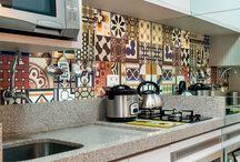revestimento cozinha / by Jarina Gabilan
