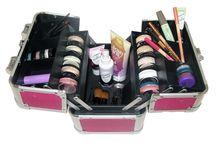 Professional kit / Le valigie make up pensate da Stockmakeup per soddisfare le esigenze dei professionisti e degli appassionati del settore!
