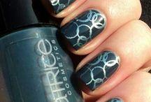 nails / by da dag