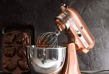 Copper and Brass - Trends We Love / The brightest and warmest interior trend, a board by Aabelard Aprons
