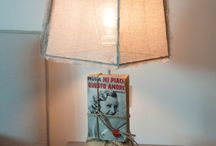 lamp book / From old books found in the stalls of antique Italian , I created table lamps , which makes the room warm and cozy .