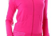 Womens Sportswear / В нашия интернет магазин за маркови онлайн дрехи предлагаме богат избор на дамски спортни дрехи, сред които trening, долнища на анцуг, клинове, къси панталони, спортни блузи, спортни суичъри и спортни тениски. Разнообразието на дамските спортни дрехи се забелязва, както при моделите, така и по отношение на използваните материи и цветове. Както е известно, дамите са по-суетният от двата пола.Ето защо сме се погрижили спортните дрехи, които предлагаме, да задоволят и най-претенциозния женски вкус! / by Damski Drehi