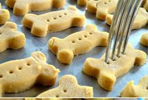 Home Cooked Treaties / Safe, delicious treats for your pet.