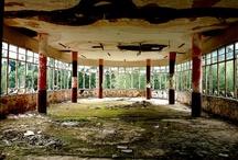 Ruins / by Robin Elizabeth