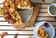 recipes - breads, waffles, & pancakes / by Diana Mugford