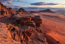 Jordan / Morze, piasek i słońce. Wspaniały podmorski świat i przygody na pustyni. Luksusowe hotele i bezcłowe zakupy. Atrakcji z pewnością wystarczy dla wszystkich, którzy wybiorą się na wakacje do tajemniczego królestwa Jordanii. http://www.itaka.pl/nasze-kierunki/jordania.html