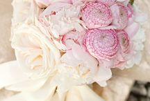 Flowers / All things floral / by LBV Weddings