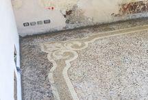 Pavimento alla veneziana, abitazione privata a L'Aquila / Realizzazione di pavimenti alla veneziana con fasci e perimetrali, controfascie e disegni centrali