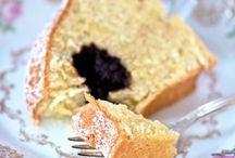 Cake?? Yes please !! / by Patricia Reinaldo