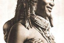 Muílas / As muílas…Sul de Angola;Muílas são um povo que pertence à nação Nyaneka-Humbi. Habitam a província da Huíla no Sul de Angola.
