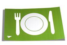 Unsere Gastronomie-Produkte / Vom Bierdeckel bis zum abwaschbaren Tischet - hier finden Sie Druckprodukte, die speziell auf den Bedarf der Gastronomie und Hotellerie abgestimmt sind.  Damit Sie und Ihre Gäste lange Freude an unseren Druckprodukten haben, können Sie viele Produkte cellophaniert oder aus abwaschbarem und reißfestem Material bestellen. Cellophaniert heißt, dass zum Schutz der bedruckten Papieroberfläche eine hauchdünne Folie aufgetragen wird. http://www.myflyer.de/Produkte/Gastronomie-Hotel