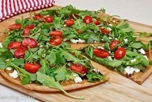 Pizza / Recipes for all kinds of pizza, including gluten-free and clever pizza flavored substitutes.