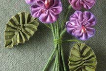 Flores de tela - cinta de raso / Hacer flores con tela. www.manualidadespinacam.com