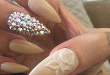 stileto nails