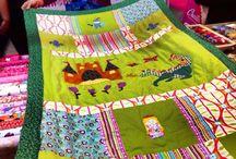 Trabajos de nuestr@s client@s / En este tablero iremos subiendo las fotos de las creaciones de nuestras clientas con nuestras telas, kits, materiales para patchwork y costura,... Deseamos que os guste, a nosotros nos hace muchísima ilusión ver vuestros trabajos con nuestros productos y diseños :-)