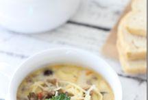 Soup Recipes.... mmmm....mmmm....good! / Every kind of soup recipe! Easy soup recipes... crockpot soup recipes, copycat soup recipes, slow cooker soup recipes - we've got 'em all