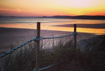 Pembrokeshire Sunrises and Sunsets / We may be biased but we'd say that #Pembrokeshire is one of the best places to catch an epic sunrise or sunset. The beaches are the perfect place for catching them. #sunrise #sunset