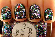 Nails Nails Nails / by Natalie Ginley