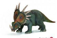 """Styracosaurio / Vivió en el Cretácico superior, y su nombre significa """"lagarto espinoso""""."""