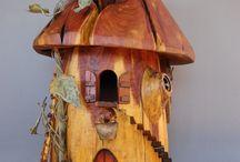 Birdhouses, Birdfeeders and Birdbaths