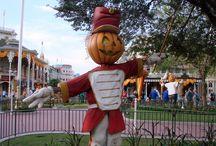 Halloween at Walt Disney World / Pictures of #DisneyWorld decorated for #Halloween